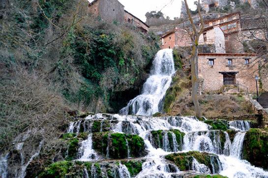 1-cascada-orbaneja-del-castillo