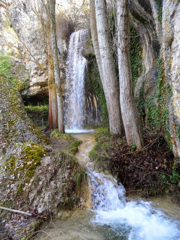 9-cascada-hoyos-del-tozo