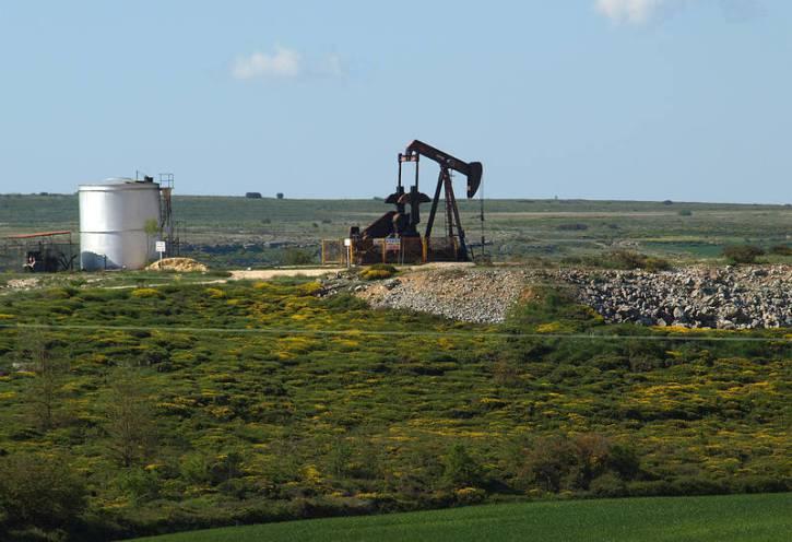 Campo petrolífero de Ayoluengo